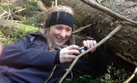 NATURMENNESKE: Marte Olsen er opptatt av naturen og miljøet, og driftsformen hun ser for seg på småbruket sitt er i tråd med dette engasjementet.