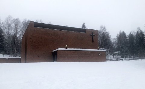 DYR STRØM: Kirkene i Gjøvik, deriblant Hunn kirke (avbildet), brukte strøm for 200.000 kroner.