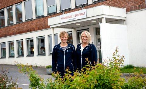 KLAR FOR SOMMEREN: Legevaktsoverlege Lene Kamilla Heimestøl, til venstre, og avdelingsleder Heidi Guslands forventer nok en hektisk sommer.