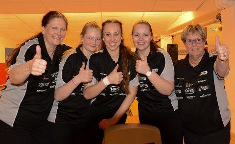 BRONSEJENTER: Bronse i damenes eliteserie ble det til fra venstre Elin MAthiesen, Jenny Mathiesen, Nora Kjellås, Andrea Kvernhusløkken og Anita Meiningen.