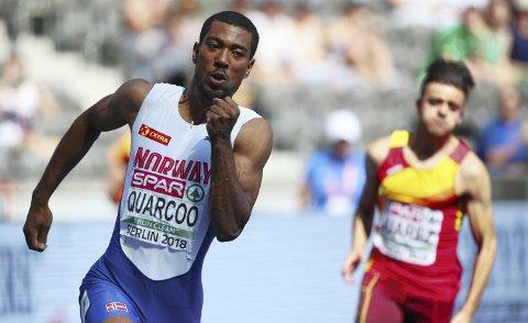 SOLEKLART RASKEST: Jonathan Quarcoo befestet sin posisjon som Norges raskeste mann med å sikre seg NM-titlene både på 100- og 200-meter i Byrkjelo denne helgen.