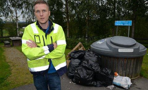 IKKE BRA: – Slik skal det ikke se ut på en rasteplass, sier Per Emil Bjerke i NCC.