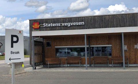 ENDRINGER I FRAMTIDEN: Når er ikke bestemt, men skranketjenestene ved trafikkstasjonen i Elverum forsvinner.