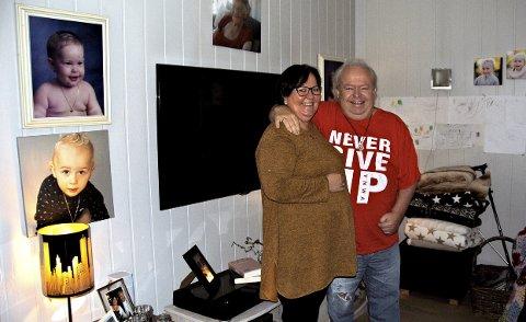 En omveltning: Mye ble annerledes da Robert fikk alvorlig helsetrøbbel, men han og kona Åshild har holdt sammen og forholdet er blitt sterkere av den tøffe tiden. Foto: Thomas Ragnum
