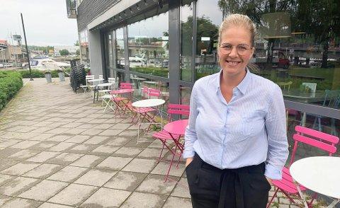 VIL BESTÅ: Kafé Elvebredden vil bevare uteserveringen.