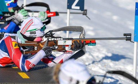 TILBAKE I TOPPEN:  Marthe Kråkstad Johansen, B&Y IL, gikk inn til en 3. plass på normalprogrammet i norgescupen i skiskyting på Voss fredag. Foto: Øyvind Bratt