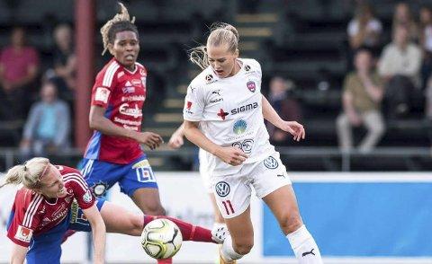 TO LANDSKAMPER: Lisa-Marie Karlseng Utland er i troppen som møter Slovakia og Nederland i avgjørende VM-kvalifisering.