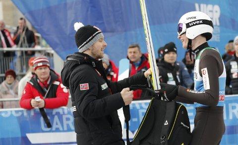 MANGE IDEER: Robin Pedersen er en kreativ kar som liker å jobbe med de små detaljene på utstyrssiden.– Men det hjelper ikke så lenge du ikke hopper godt på ski, påpeker han. Foto: Geir Olsen