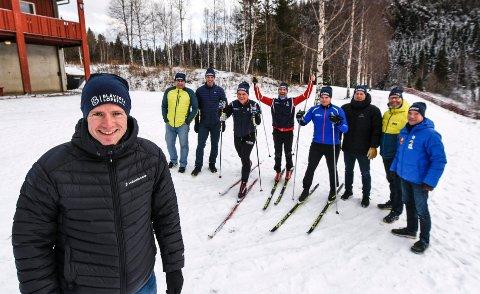 Vegard Nerdal (nærmest) og de øvrige i Blåvegenløpets komite lover å komme sterkt tilbake neste år.
