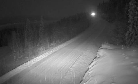Skjermdump fra Statens Vegvesens webkamera i Bustneslia fredag morgen.