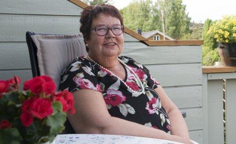 BLIR HER: Bjørg Kjelstad synes Jevnaker er et godt sted å bo.