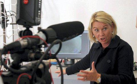 KLAR MELDING: Statsråd Monica Mæland mener de rundt 100 kommunene med lavere innbyggertall enn 3.000, blir nødt til å slå seg sammen. Hun advarer mot at de ikke gjør det. Foto: Lars Bryne