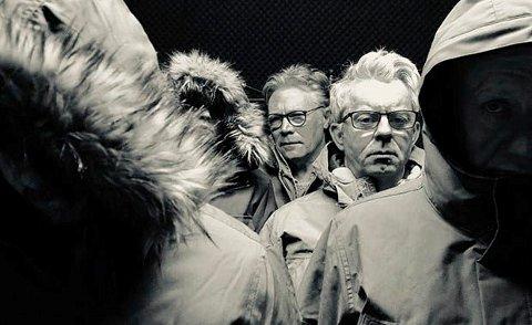 """ISBLIND:  Knut Nærum har skrevet manuset til """"Isblind"""" . Bak Kim Haugen som har regien. (Foto NRK/ Øystein Kjennerud )"""