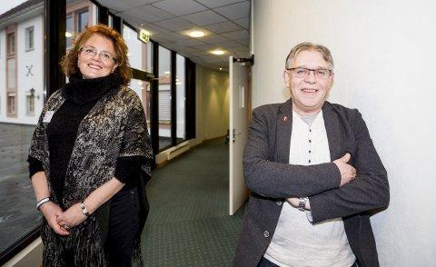 Vil beholde tannklinikkene: Frp-erne Vibeke Limi og Arild Mossing mener det er feil å legge ned Fet tannklinikk i forkant av kommunereformen. FOTO: Tom Gustavsen