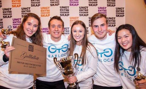 BEST I AKERSHUS: Barlock UB vant prisen beste ungdomsbedrift i Akershus. Nå skal de til NM. ra venstre: Ingrid Valstad, Erlend Deilkås, Tiril Skøyum Moe, Harald Tolland og Ida Siem.