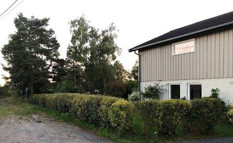 STIEN: Kommunen mente at denne stien lå for nærme området mellom stien og huset til at man kunne bygge garasje der.