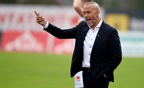 FÅR ROS: SF-trener Lars Bohinen er SFs viktigste mann, ifølge John Arne Riise.