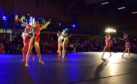 DELTAGERE: Det var hele 320 dansere som deltok i konkurransen Prestige i Grålumhallen i høst.