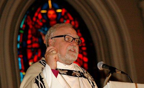KVALITET: Biskop Atle Sommerfeldt var i sitt visitasforedrag  imponert over kvaliteten på både ungdomsarbeidet og gravferdsseremoniene.