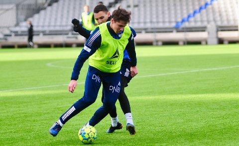 NY KLUBB: Sigurd Kvile (foran) har signert for 1. divisjonsklubben Åsane fra Bergen.
