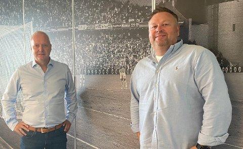 OPTIMISTER: Daglig leder Espen Engebretsen (til venstre) og styreleder Hans Petter Arnesen er optimister foran fotballhøsten etter at overgangsvinduet er lukket for denne gang. foto: Petter Kalnes