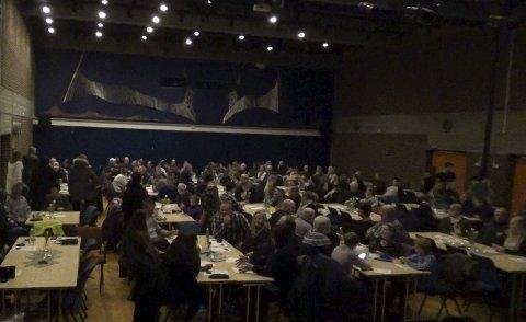 Smekkfult: Det var mellom 250 og 300 gjester i bursdagen til Lars Johansson.
