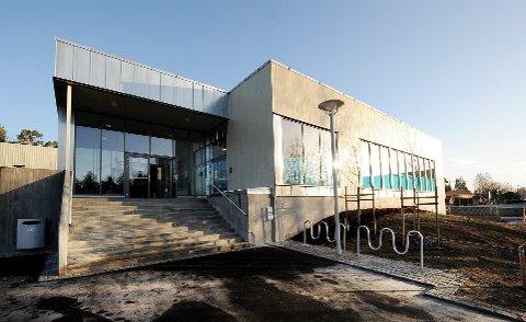 NYE RUTINER: Idrettsavdelingen i Porsgrunn håper publikum blir flinkere til å gå på do før de besøker bassengene.