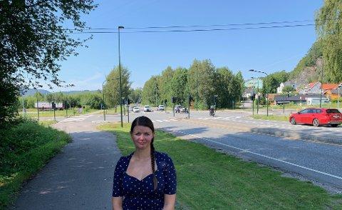 VIL RASERE: - Herøya som en viktig bydel i Porsgrunn vil bli rasert, sier Lillian Elise Esborg Bergane som sitter i bystyret for Ap og bor på Herøya.