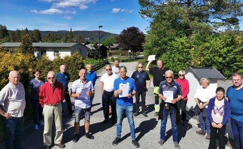 VANT FRAM: En rekke beboere i Siljan, som her på Holtesletta, har vært oppgitte over planen om en mulig ny skytebane. Nærmere 700 skal til slutt ha skrevet under på protestlista. Det er liten tvil om de nå har fått uttelling.