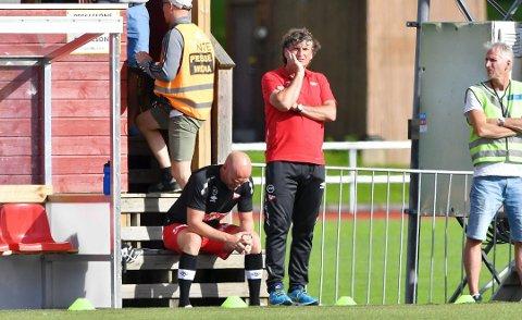 Skuffet: Assistenttrener Jan Tore Ophaug og hovedtrener Jan Halvor Halvorsen var skuffet over tap på Levanger. Nå er sistnevnte ferdig i klubben.