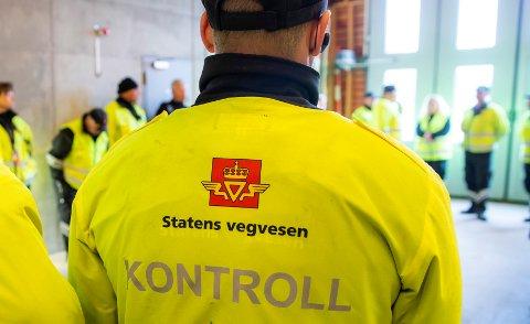 Statens vegvesen sjekket tilstanden på kjøretøy flere steder på ytre Nordmøre.