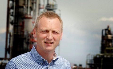 GJENNOMGANG: Informasjonsdirektør Tore Revå i Esso sier selskapet skal kartlegge bombefunnet.