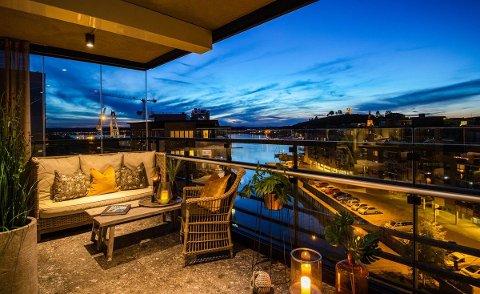 UTSIKT: Megler Kenneth Doksheim forteller at utsikten fra leiligheten på Kaldnes er imponerende.