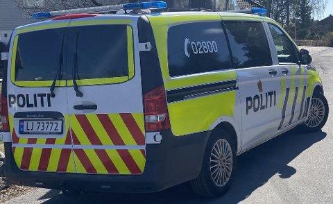Politiet oppsøkte den aktuelle boligen i 11-tiden torsdag.
