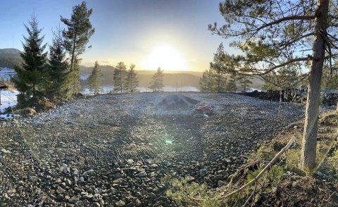 Utsiktstomter: Harry Eriksen har fått planert to nye hyttetomer i Lundlia hyttefelt i Vegårshei. Privat foto