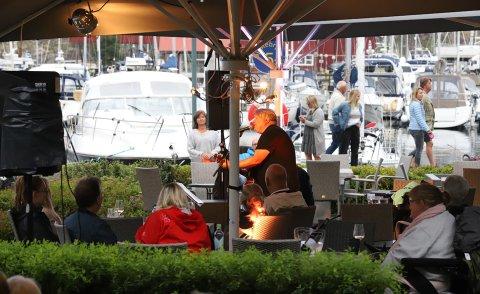 SUKSESS: Lørdagens konsert med Ivar Ruud Eide på Hagestua i Son ble en intim suksess.