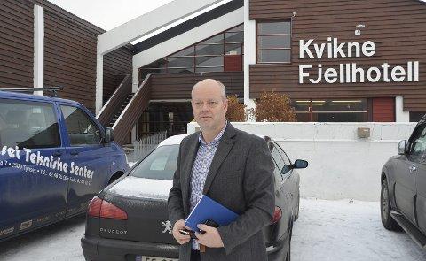 Ikke så positive: – Møtet var fint og totalt sett positivt, sa Tom Henriksen ved Amdo A/S etter det første folkemøte om permanent flyktningemottak på Kvikne. Kviknedølene selv mener at bilde som ble tegnet i etterkant var i overkant positivt. Arkivfoto: Eirik Røe