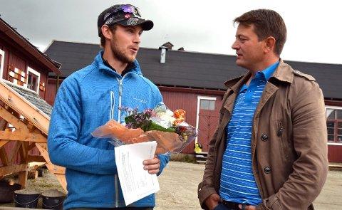 Ove Grytbak (t.v.) fra Røros fikk utdelt stipend fra Kulturminnefondet  og Simen Bjørgen i 2014.