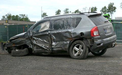 VRAK: Her står bilen som ble påkjørt. I den satt ekteparet fra Innlandet. Foto: Vidar Sandnes
