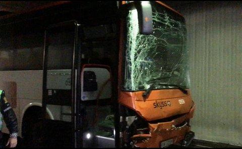 Det var sjåføren av denne bussen som forårsaket kjedekollisjonen i Sydnestunnelen tirsdag ettermiddag.