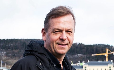 VELVILLIG: Byen Vår Drammen-sjef Tom Søgård heier på alt som kan gi flere handlende i sentrum, og ser fram til et belønningsordning som vil gjøre at enda flere tar bussen. For det er nemlig de som tar bussen som handler mest.