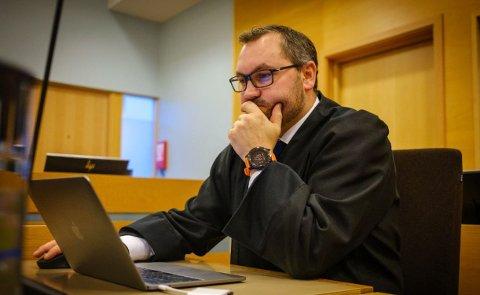 Stian Bergersen Mæland forsvarte den overgrepstiltalte mannen. Han har allerede anket dommen.