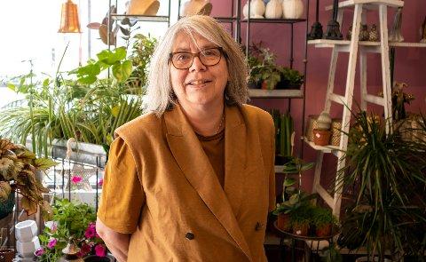 Anita Fjellvang, eier av bedriften Nordkapp Blomster og begravelsesbyrå.