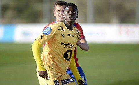 """Alioune """"Badou"""" Ndour (19)  var på prøvespel på La Manga i førre veke. No er han tilbake med Florø Fotball."""
