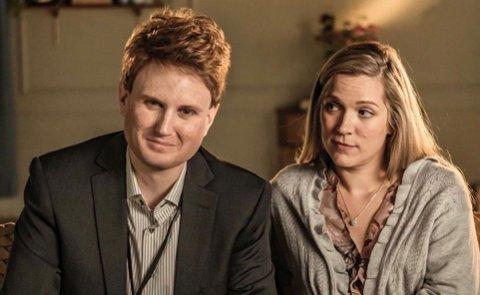 PÅ TV: Karoline Solbakken blir å sjå som Jannike i Parterapi denne hausten. Her er ho samen med karakteren Cris (Kevin Vågenes).
