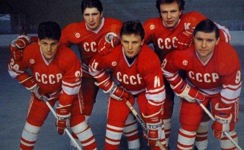 SUPERFEMMEREN: Bak fra venstre; Aleksej Kasatanov og Slava Fetisov. Foran fra venstre; Igor Larionov, Sergej Makarov og Vladimir Krutov.