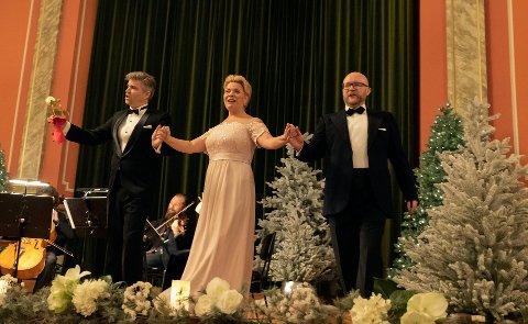 Under fjorårets nyttårskonsert hadde Merete Meyer blant annet med seg Allister Kindingstad (t.v.) og Kristian Andersen (t.h.). I år blir det ny konsert i bibliotekets aula, og det blir den femte i rekken.