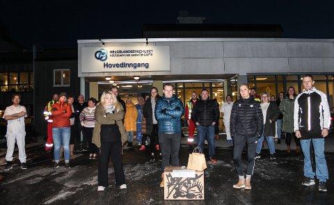 Ansatte ved Helgelandssykehuset Mosjøen er tydelig opprørt over årets julehilsen. Foran ser vi fv Ann-Mari Tollefsen, Nils-Kristian Brubakk, Eva Bjørhusdal og Gøran Olufsen.