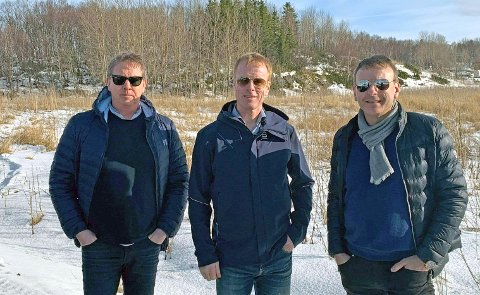 Folk i Husan AS er et nyoppstartet selskap der Bjørn Dæhlie er en av eierne sammen med Rino André Santocono. Fra venstre: Rolf Arne Høyen, Bjørn Dæhlie og Rino André Santocono.