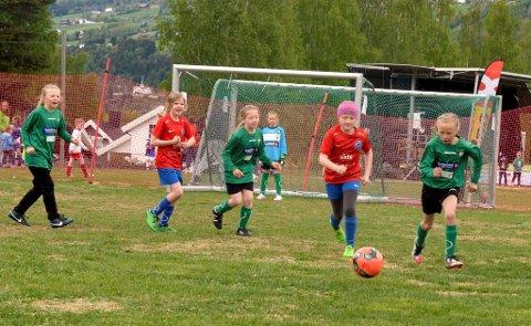 Nittedal rød mot Roterud 2 under Trollcup på Øyer idrettsplass